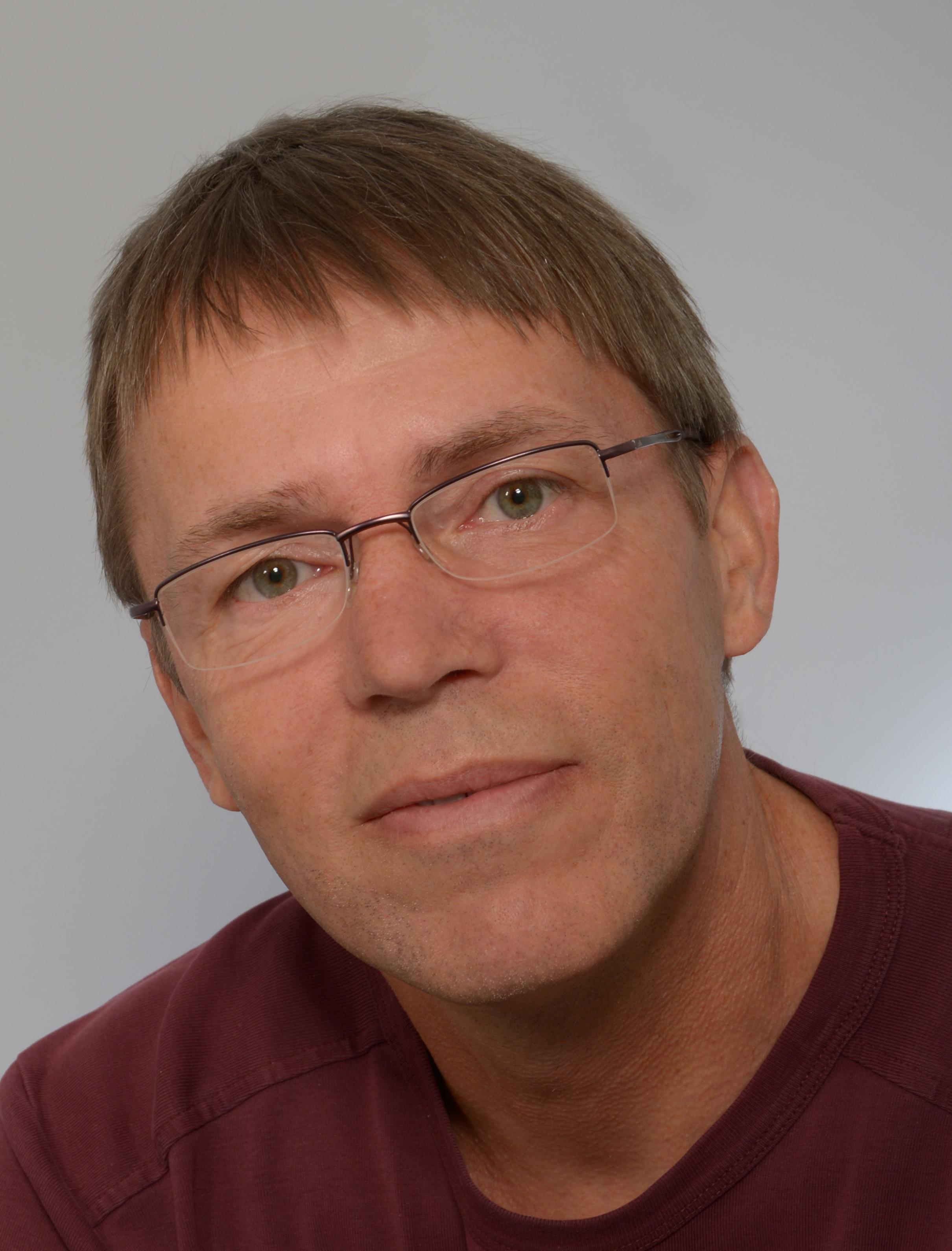 Dr. Stefan Friedrichowski